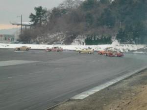 プロのD1ドライバーが デモ走行中。 さすがプロっ!!